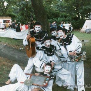 Pierrotters in park